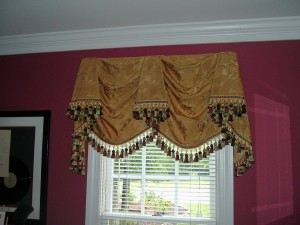 Kingston Valance with fringe